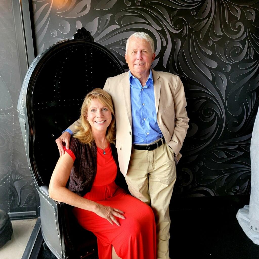 Elaine and Scott Harris of the Vino Las Vegas Wine Club